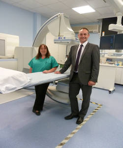 Frenchay Hospital, part of North Bristol NHS Trust, has recently installed an Artis zeeTM Multi-purpose (MP) interventional imaging system from Siemens Healthcare. (Left to right) Helen Carter, Clinical Radiographer in Gastrointestinal Fluoroscopy at Frenchay Hospital and Darren Parker, Regional Sales Manager at Siemens Healthcare.